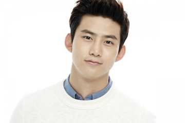 taecyeon-reveals-jyp-entertainments-stand-on-sajaegi