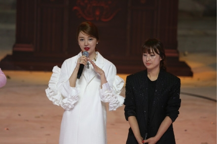 yoon-eun-hye-on-the-chinese-reality-program-goddess-new-clothes
