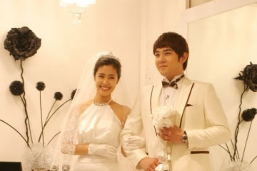 super-juniors-kangin-sends-a-video-message-to-former-virtual-wife-lee-yoon-ji-on-we-got-married