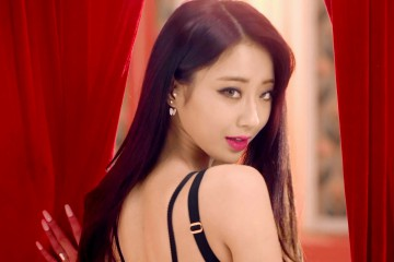 kyungri-talks-about-her-ex-boyfriend-and-a-male-celebrity-she-turned-down