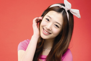 sulli-shows-her-support-for-ius-new-album-specially-red-queen-which-was-inspired-from-her-drawing