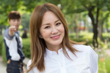 uhm-jung-hwa-to-make-her-comeback-to-the-music-industry-after-8-years