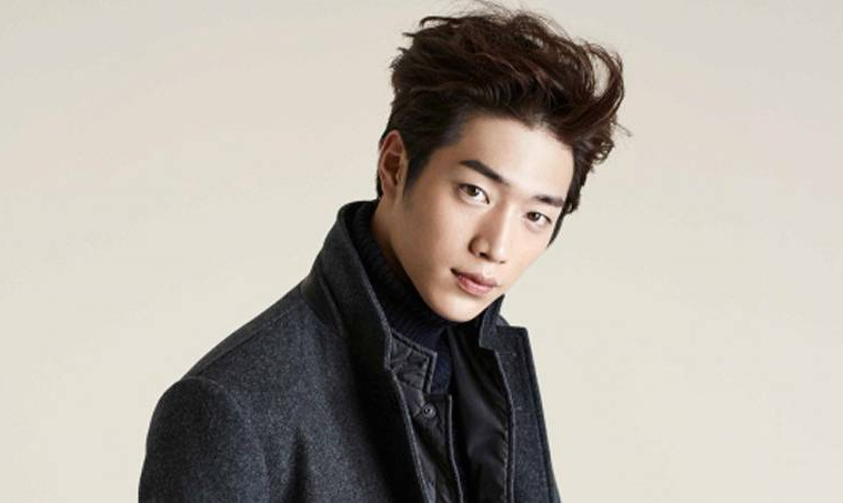 Seo kang joon talks about his ideal type and close celebrity friends
