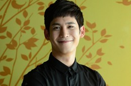 park-ki-woong-returns-to-his-civilian-life-following-discharge-from-the-military