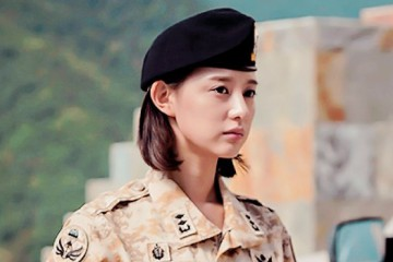 kim-ji-won-talks-about-being-compared-to-song-hye-kyo
