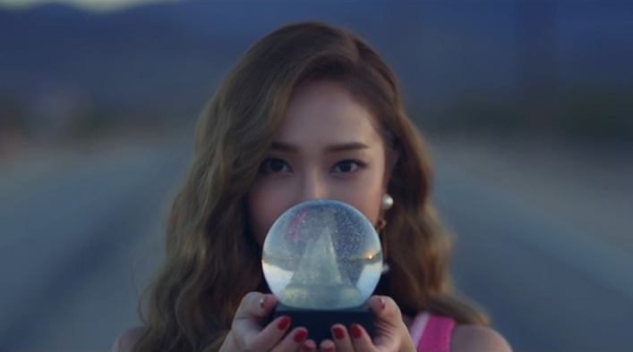 jessica-fly-mv-reviewanalysis