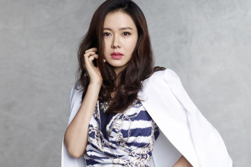 son-ye-jin-reveals-her-ideal-type-and-picks-the-co-star-who-is-closest-to-her-ideal-type