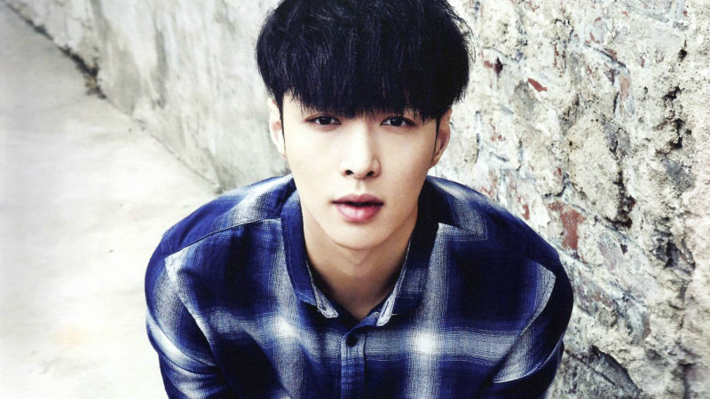 Lay plans to take legal action against sasaeng fans
