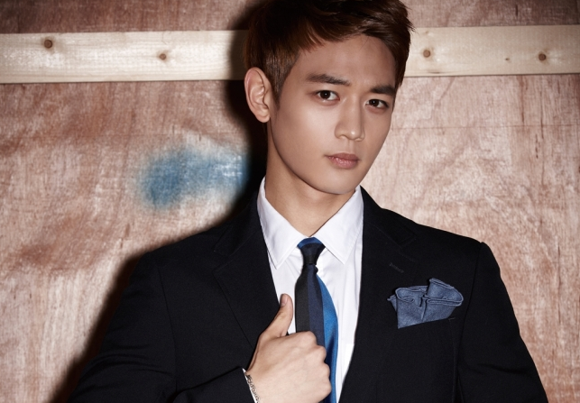 minho-shares-the-reason-why-he-dyed-his-hair